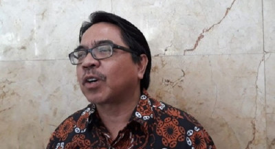 Ade Armando: Merasa Tak Nyaman Berjilbab, Lepaskan Saja