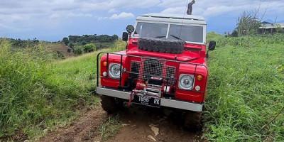 6 Tahun Terbengkalai, Land Rover Series 2A Ini Masih Tangguh Off-Road