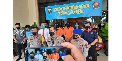 Polisi Ringkus Penyelundup 40.500 Benih Lobster Senilai Rp 6 Miliar