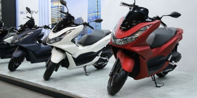 Honda Hentikan Produksi PCX 150
