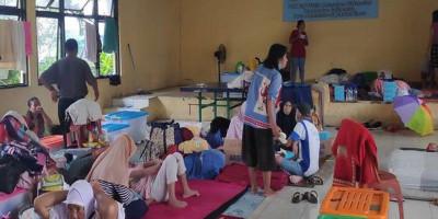 Korban Banjir Bidara Cina Disebar ke Lima Titik Pengungsian