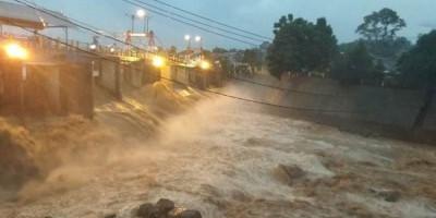 Debit Sungai Ciliwung Siaga 2, Air Sudah Sampai Depok