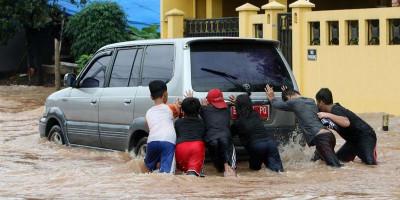 Fokus Penanganan Banjir, Hutama Karya Tutup Beberapa Gerbang Tol dan Imbau Pengguna Cari Jalan Alternatif