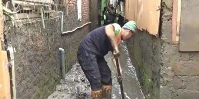 Banjir Lagi, Warga Cipinang Melayu Kehilangan Harta Benda
