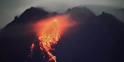 Gunung Merapi Masih Muntahkan Lava Pijar dan Gempa Selama 78 Detik