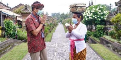 Kunjungi Desa Penglipuran, Sandiaga Uno Bicara Program Padat Karya di Bali