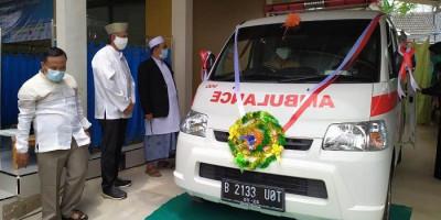 Komunitas Angkatan 86 Kasih Bantuan Ambulans untuk Masjid Abdurahman Al-Athiq