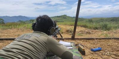 Latihan Sniper Prajurit Batalyon Intai Amfibi 1 Marinir