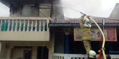 Nenek Sinah Selamat dari Kebakaran di Rumahnya