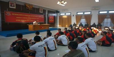 Pengarahan Dan Pembekalan Danmenkav 1 Marinir Kepada Seluruh Bintara Roda Rantai