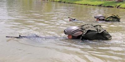 Asah Kemampuan Dan Keterampilan, Prajurit Yonif 3 Brigif 2 Mar Pasmar 2 Latihan Renang Tempur