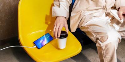 Kiat Aman Agar Baterai Smartphone Awet