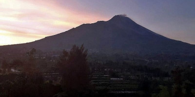 Lava Pijar Gunung Merapi Masih Terjadi Disertai 32 Kali Gempa Guguran
