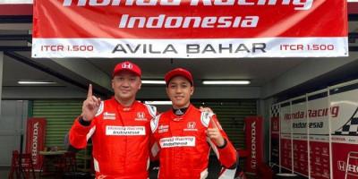 Pasangan Ayah dan Anak Alvin-Avila Bahar Cetak Sejarah Bagi Tim Pabrikan Honda