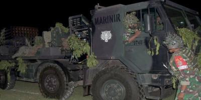 Tingkatkan Profesional, Prajurit Batalyon Roket 2 Marinir Laksanakan Steling Malam dalam Latihan Satuan Dasar