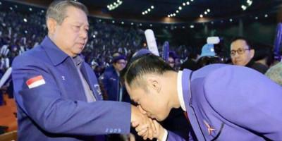 AHY-SBY Disebut Lebih Terhormat Jika Minta Maaf Secara Terbuka ke Jokowi