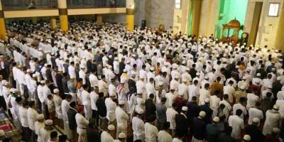 Ini Syarat Salat Tarawih dan Idul Fitri di Masjid