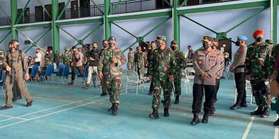 Panglima TNI Tinjau Serbuan Vaksin Covid-19 di Natuna