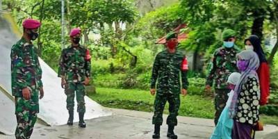 Dukung Program Pemerintah, Prajurit Yonif 5 Brigif 2 Mar Pasmar 2 Laksanakan Operasi Yustisi Prokes