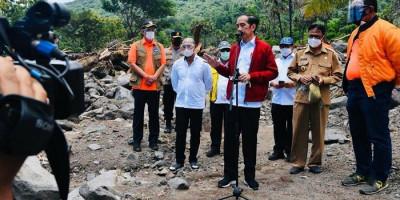Jokowi Instruksikan Pencarian Korban Bencana NTT Gunakan Alat Berat