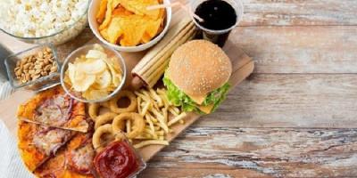 Hindari Makanan Ini Saat Berbuka Puasa, Nomor 2 Populer Banget