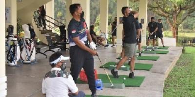 Dankormar Pimpin Olahraga Golf bersama