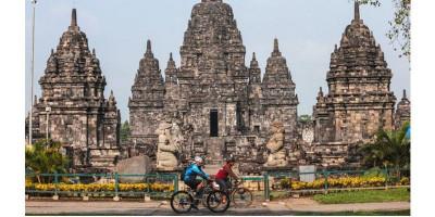 Ngabuburit Teample, Menikmati Senja di Candi Prambanan