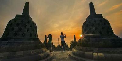Menikmati Indahnya Surya Tenggelam dengan Paket Borobudur Sore