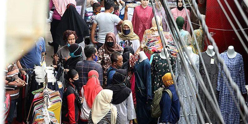 Kerumunan di Pasar Tanah Abang, Ada yang Lalai