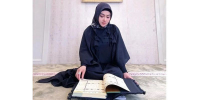 Alhamdulillah, Syahrini Khatam Baca Al-Qur'an