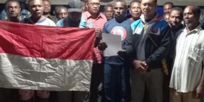 Pentolan Teroris OPM Papua Alex Hamberi dan Anggotanya Menyerahkan Diri