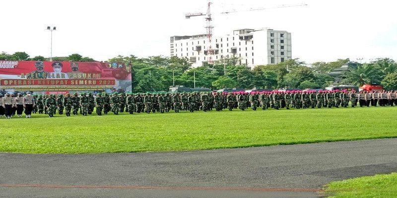 Prajurit Yonif 1 Marinir Ikuti Apel Gelar Pasukan Operasi Ketupat Semeru 2021 di Mapolda Jatim