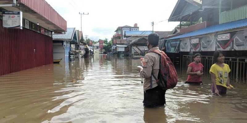 Waspada, Potensi Banjir dan Longsor di 16 Provinsi