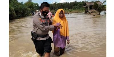 Lima Desa di Satui Terdampak Banjir, Ratusan Warga Mengungsi