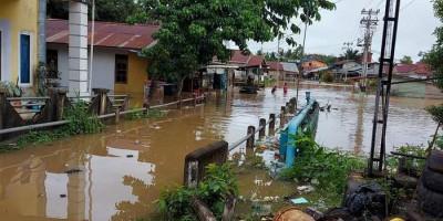 Lima Kabupaten di Empat Provinsi Terdampak Banjir dan Longsor