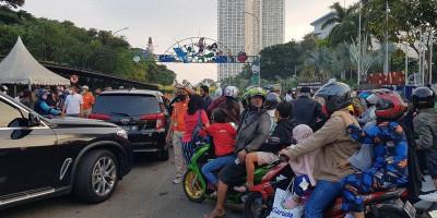 Ancol Tutup, Pengunjung Terlibat Dorong-dorongan di Pintu Gerbang