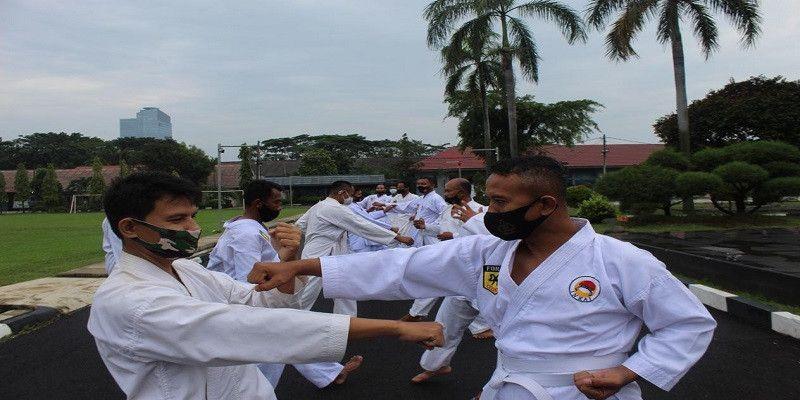 Prajurit Yonmarhanlan III Asah Kemampuan Karate