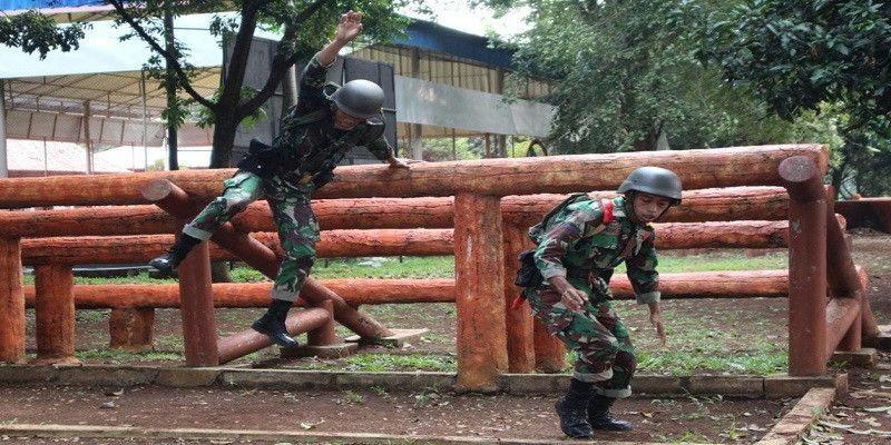Halang Rintang Jadi Materi Latihan Tw II Prajurit Yon Kapa 1 Marinir