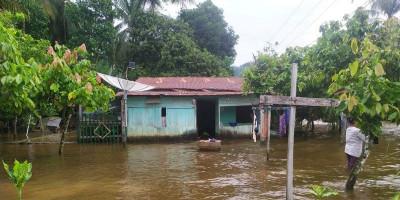Banjir Masih Menggenangi Tiga Desa di Aceh Selatan