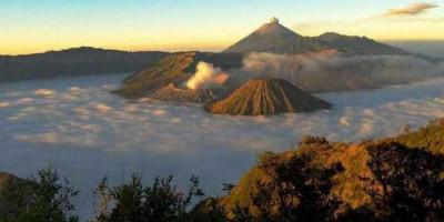 Wisata Bromo dan Jalur Pendakian Gunung Semeru Kembali Dibuka, Simak Ketentuannya
