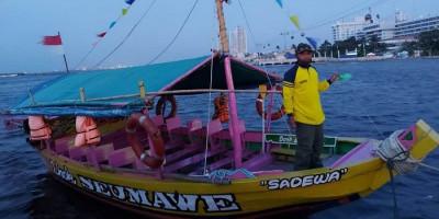 Menikmati Keindahan Pantai Ancol dari Perahu Wisata