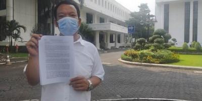 Bawa Surat, Warga Ini Mengadu ke Jokowi Soal Tanah