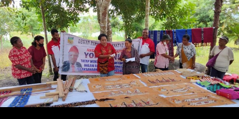 Yolanda Suebu: Saya Bangga Kreativitas Mama Mama Papua
