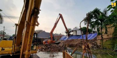 Kementerian PUPR Gerak Cepat Tangani Longsor dan Banjir Kali Ciputat Tangsel