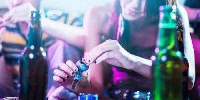 Sekda Nias Dibekuk Polisi Saat Pesta Narkoba Bareng Lima Cewek Seksi dengan Dada Terbuka