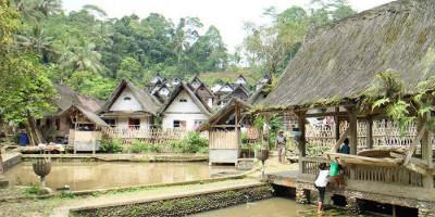 Mempelajari Kesederhanaan di Desa Wisata Kampung Naga