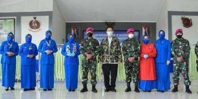 Dankormar Tinjau Serbuan Vaksinasi Covid-19 Jalasenastri Korps Marinir