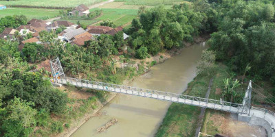 Buka Akses Antar Desa, Kementerian PUPR Rampungkan Jembatan Gantung Mbah Buto di Jawa Timur
