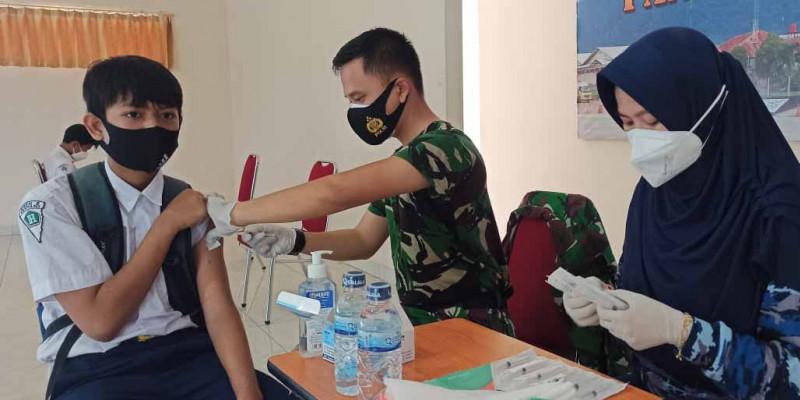 Lanud Silas Papare Dalam Serbuan Vaksin Kali Ini Menyasar Siswa SMPN 2 Sentani.