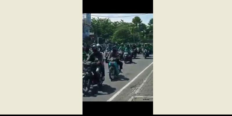 Ribuan Ojol di Kota Bandung Konvoi Tolak PPKM, Seluruh Jalan Sempat Ditutup